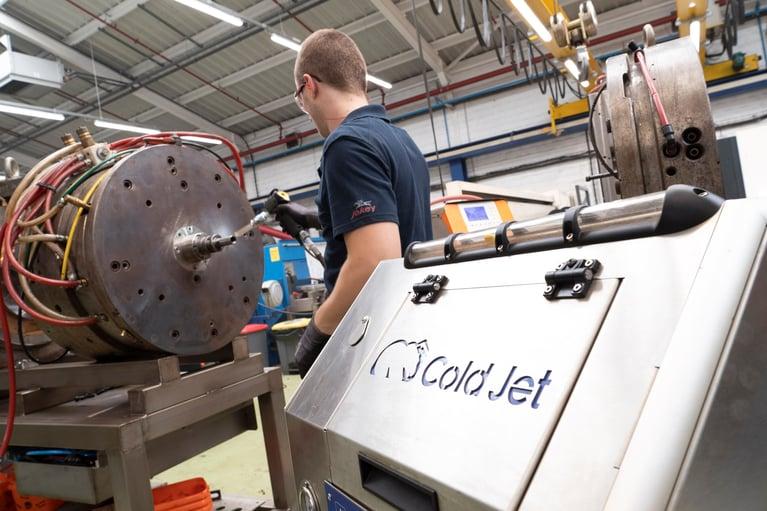 Fabricante de embalagens experimenta rápido retorno do investimento com jateamento de gelo seco