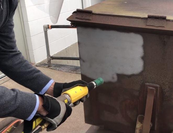 Como solucionar os problemas com poeira causados pelo jateamento abrasivo?