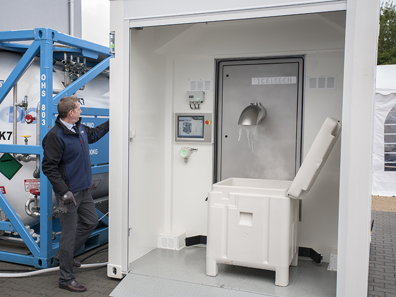 OUREQUIPMENT_DRYICEPRODUCTION_DRYICEHUB_ADVANTAGES_FULLYAUTOMATED (2)